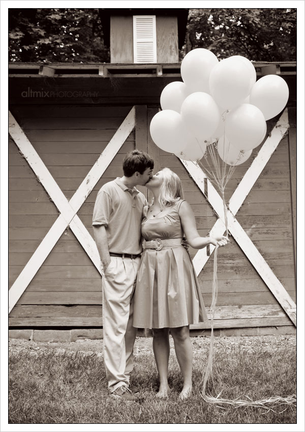 12_engagement_picture_ideas