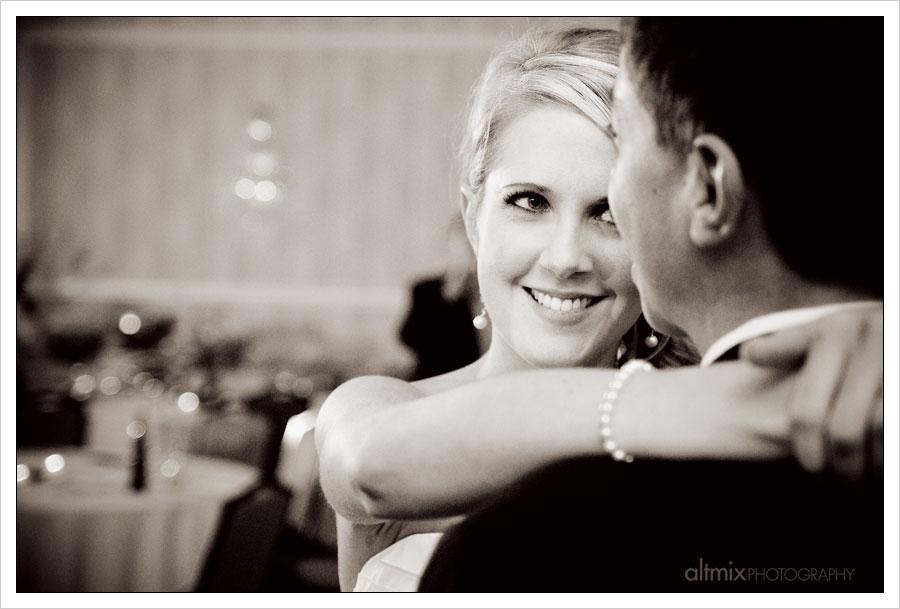 03_green_white_wedding_041809
