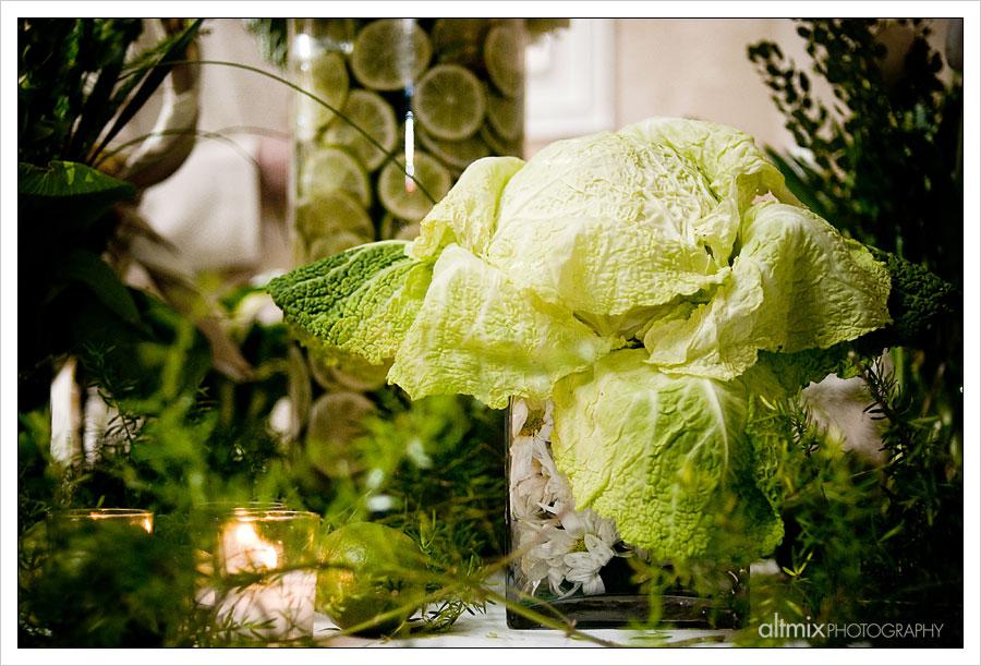 06_green_white_wedding_041809
