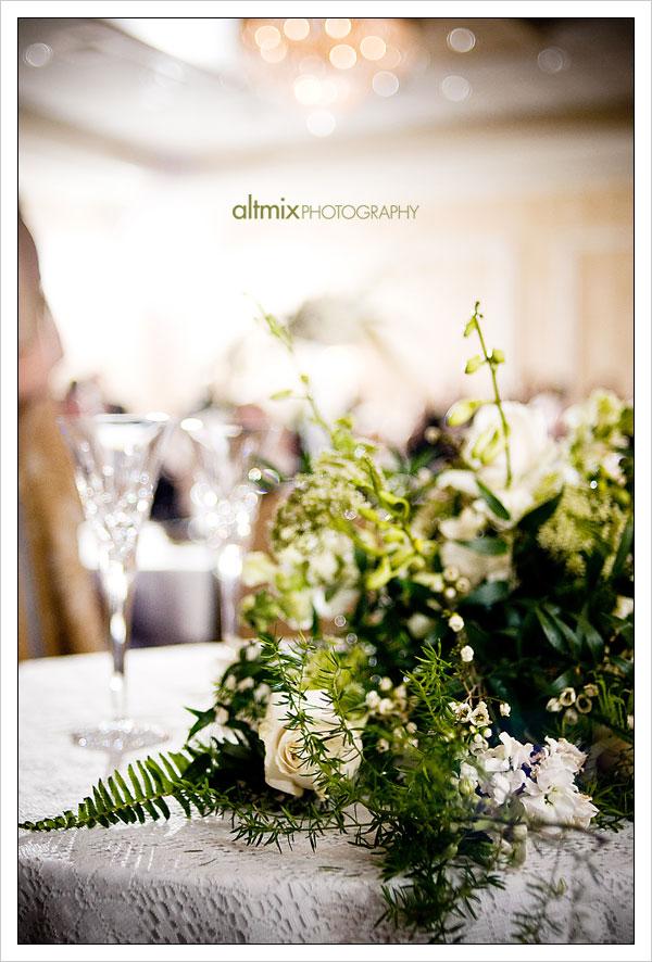 07_green_white_wedding_041809