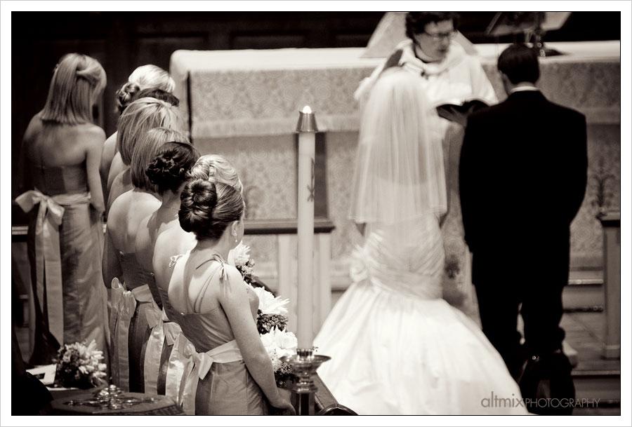 09_green_white_wedding_041809