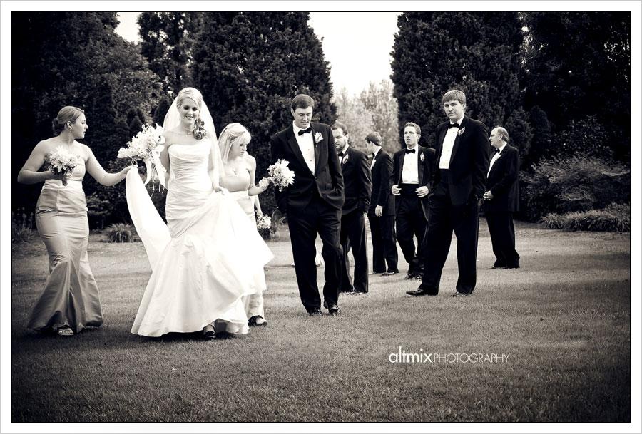 17_green_white_wedding_041809