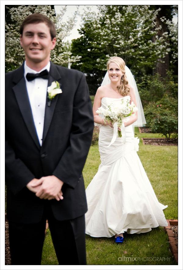18_green_white_wedding_041809